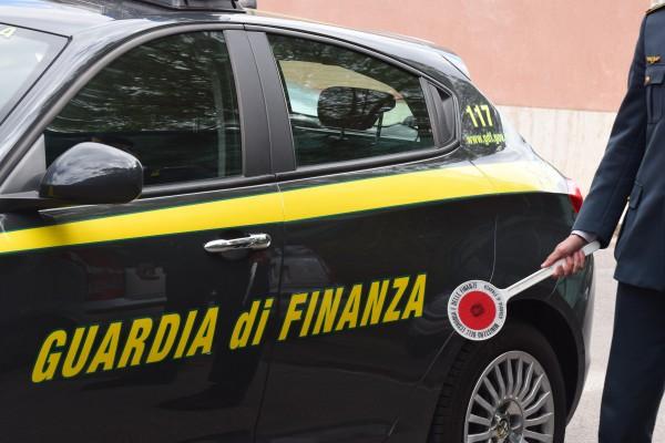 Piazzolla di Nola, maxi sequestro della Guardia di Finanza
