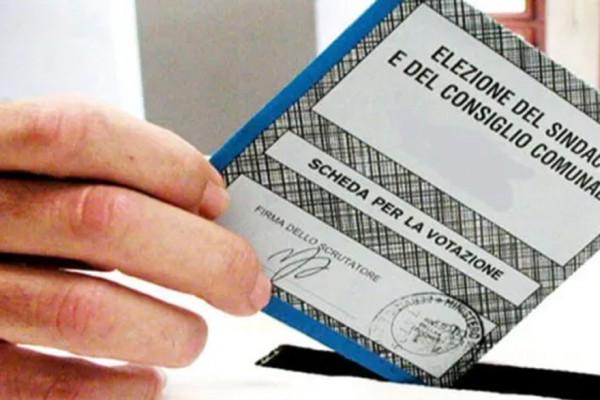San Gennaro al voto a settembre: cinque possibili liste in lizza per la fascia tricolore