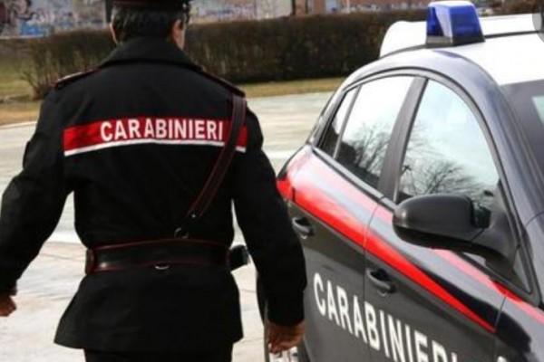 Arrestati: tentavano un furto d'auto con un cacciavite.