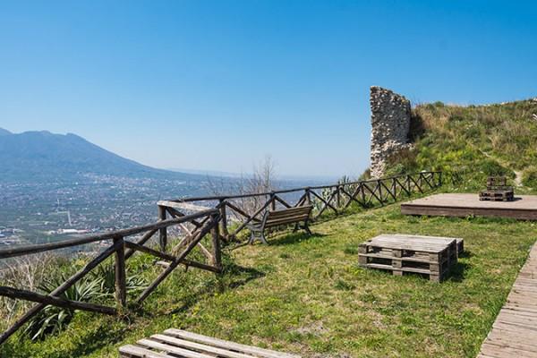 """Con """"Le Castellane"""" alla scoperta del Borgo Castello di Palma Campania"""